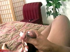 ebony t-girl inserts thin ass toy while exposing big shecock
