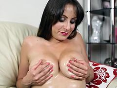 Milf oils up her tits as she gives lusty JOI