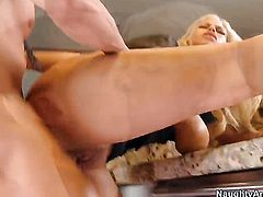 Blonde senora with massive jugs and shaved pussy shows her slutty side in cumshot action