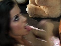 Lupe Fuentes makes dudes hard love torpedo disappear in her mouth in sexual ecstasy