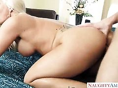 Blonde Holly Heart with gigantic knockers cant live a day without taking cum shot on her lovely face