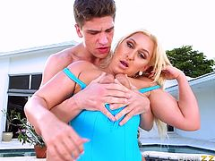 Sizzling hot Nina Kayy got her cunt fucked by the big hard cock. She got seduced, when the guy started playing with her pussy. He was licking it and putting fingers inside it. After making her hot, he drilled Nina with his monster cock.