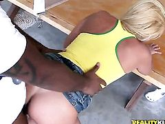 Blonde senora Karina Baccchi wants mans cock to fuck her mouth