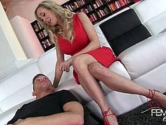 Hot stepmom Brandi Love teach licking pussy