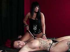 Paige Delight with massive jugs and shaved twat gets her dripping wet love box ploughed