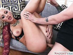 Blonde Cameron Dee takes money shot of her lifetime