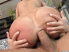 Linda Ray is full of desire to take hard dick in her butthole