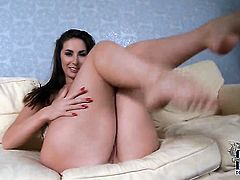Paige Turnah with massive knockers and hairless bush cant stop touching her love tunnel