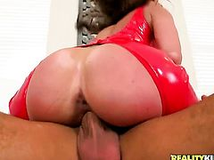 Mature is extremely horny in this hardcore scene featuring her getting rammed