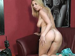 Blonde Silvia Saint loses control after sticking toy in her slit