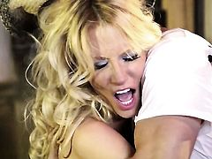 Jessica drake and hot fellow are so fucking horny in this cock sucking action