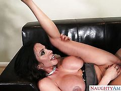 Brunette Preston Parker with phat ass gets her bush pumped by hot man