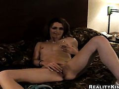 Brunette Jessica Young with clean muff finds her mouth filled with dudes sturdy cock
