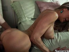 Blonde Brandi Love shows sex tricks to hot man with passion