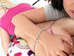 Angel faced chick Sadie Sable polishes lucky dudes erect ram rod with her lips