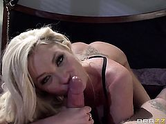 Blonde babe Richie Black gets pleasure with rock solid meat stick in her mouth