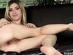 Sexy czech kitten gapes her yummy snatch to the extreme