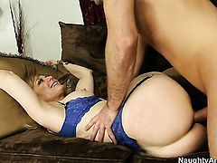 Blonde harlot with big breasts and smooth snatch gets covered in man goo on camera for your viewing