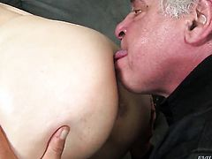 David Christopher makes man happy by blowing his sausage