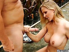 Blonde is ready to suck guys dick fuck 24/7
