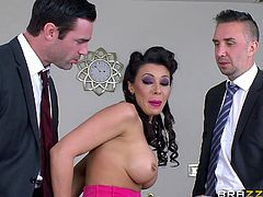 Rachel Starr is a hot MILF maid who loves the facial cumshots