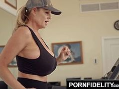 PORNFIDELITY - Kelly Madison's Cock Milking Morning Routine
