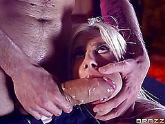Clitoris muff slammed golden-haired Jessie Volt with biggest penis
