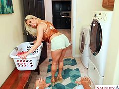 i railed my blonde wife in the laundry room