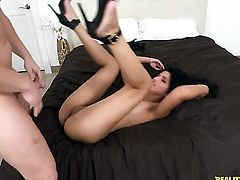 Well-experienced senorita harlot Emily gets wildly fucked in her mouth by lucky man