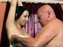 Brunette minx with giant knockers gives deep throat job