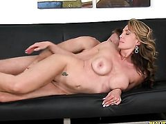 Piercings gives giving oral pleasure to her hot bang buddy Levi Cash
