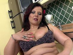 The BBW brunette knew, that only horny guys can bang her fast and to seduce them, she recorded this solo session. She licked her fingers with lust and used them to masturbate. She also showed her big boobs and enormous ass, which will surely disturb all the guys.