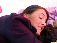 Brunette Erin Stone with shaved twat sucks like a sex crazed animal in oral action with Voodoo
