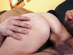 Blonde groans in sexual ecstasy with hard cocked guy
