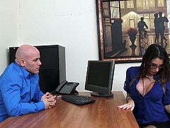 Smoking hot employee Dava Foxx is about to be fired But Dava has an ace up her sleeve her ultra sexy body Watch him nut his load all over her glasses