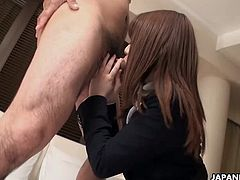Pantyhosed Japanese office lady gets roughly used before bei