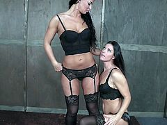 Angry wife punishes cunt of sex-appeal paramour of her husband