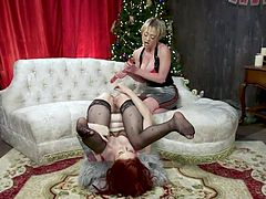 Open your eyes wider, this you will not see anywhere else. It is difficult to imagine but this fragile woman intends to shove four dildoes in her asshole at once. It's incredible! Just imagine how many dicks she can accommodate... Enjoy punishing anal sex, fisting, spanking, enemas and ass worship.