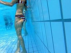 girl with jet between her legs at pool    oups !