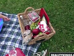RealityKings   Milf Hunter   Holly Heart Levi Cash   Picnic Pussy