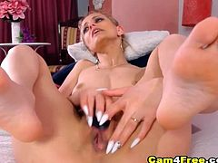 Watch this sexy Italian babe as she masturbates herself using her toy dildo and vibe toy in front of her webcam for her viewers online She remove her clothes off revealing her natural tits and sexy body for her viewers online Then she turned around and bend her knees and she start to fuck her pussy with her toy After that she lay down on the bed and spreads her legs giving her viewers a perfect view on her pussy She grab her toy dildo and begins to fuck her honeycomb till she cum