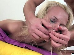Jaylyn Rose loves giving head when its on her terms.