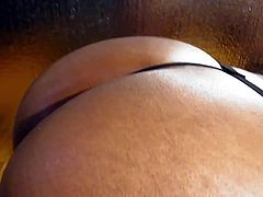Mistress Titi dispalys her perfect round ass for worship
