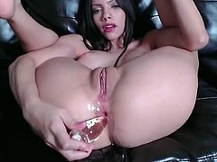 Camgirl Stuffs Ass with buttplugs