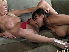 Lesbian Ava Devine wants to devour her sexy girlfriend big time
