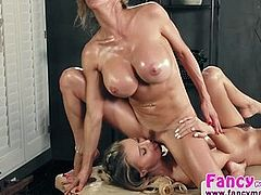 Natalia Starr and MILF Alexis Fawx hot pussy licking