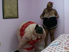 Two lesbian fat chicks love to share their kinky clips while fucking each other.
