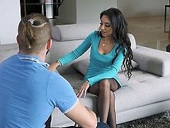 Troublemaker Nephew Fucks Hot Skinny Aunt Trinity St Clair