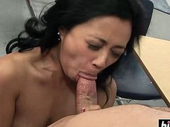 http://img1.sexcdn.net/0q/ny/h1_asian_couple.jpg