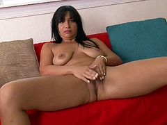 Mature babe in panties plays with her big clit